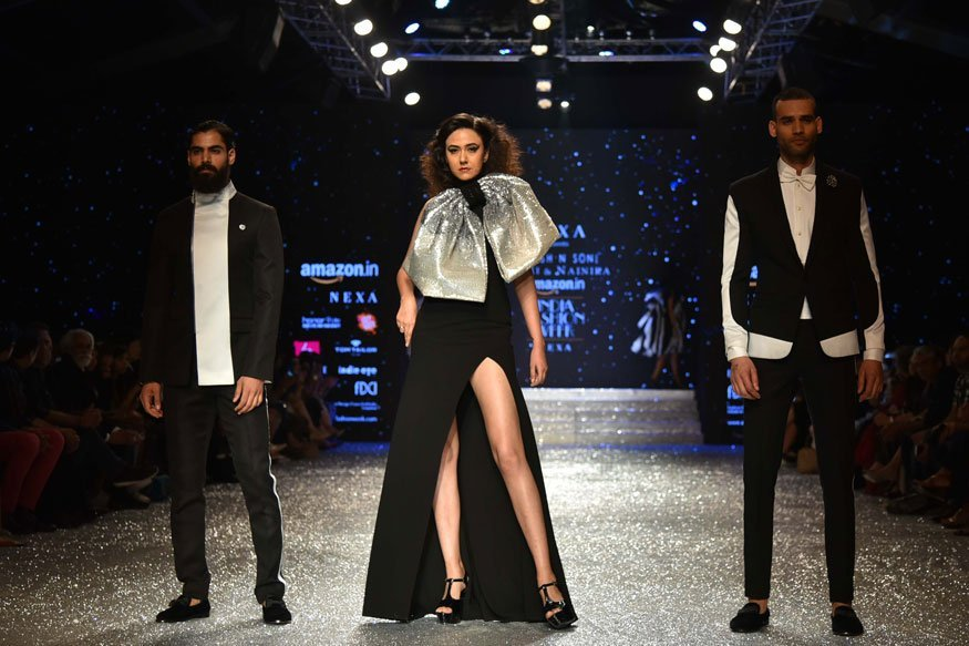 Old fashioned glamour to the fore at India Fashion Week